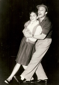 Liza Minelli and Gene Kelly rehearse