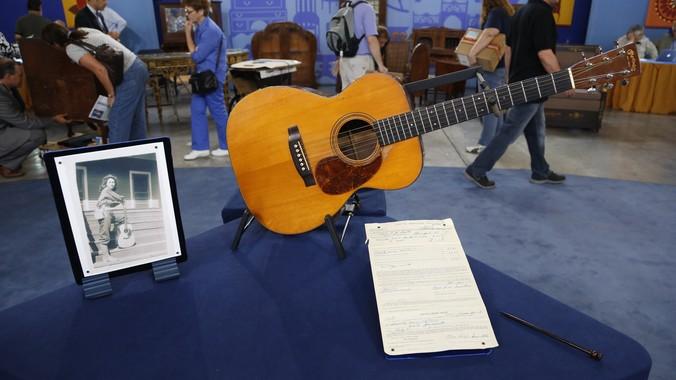 1938 C F  Martin 000-21 Guitar | Antiques Roadshow | PBS