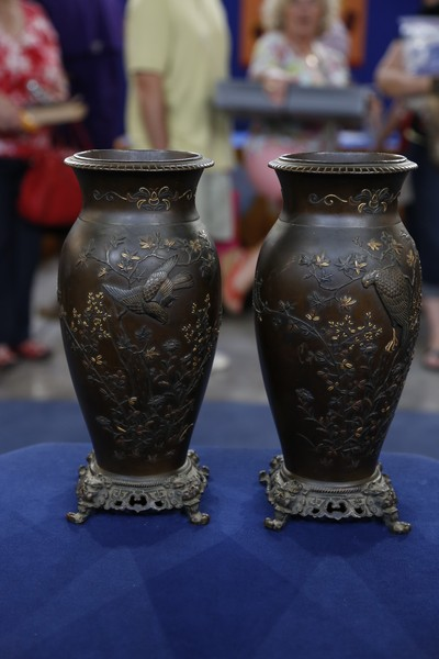 Japanese mixed metal vases ca 1900 antiques roadshow pbs for Asian antiques west palm beach