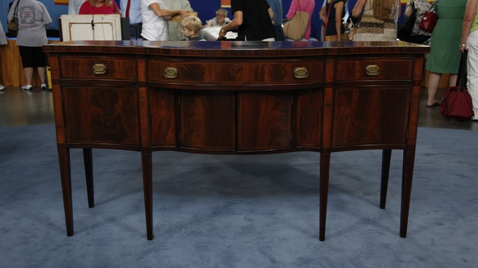 Early 20thCentury FederalStyle Inlaid Mahogany Sideboard
