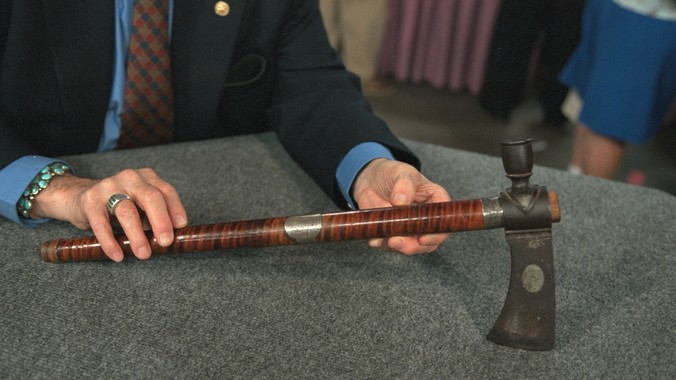 Frontiersman's Pipe Tomahawk, ca  1785 | Antiques Roadshow | PBS