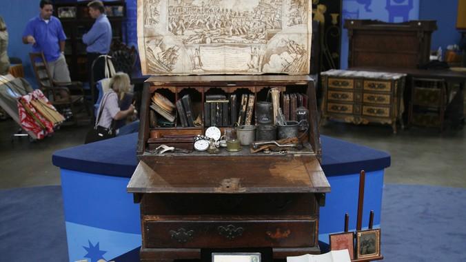 Read Appraisal Transcript - New England Desk & Contents, Ca. 1760 Antiques Roadshow PBS