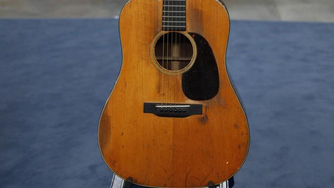 1935 Martin D-18 Acoustic Guitar | Antiques Roadshow | PBS