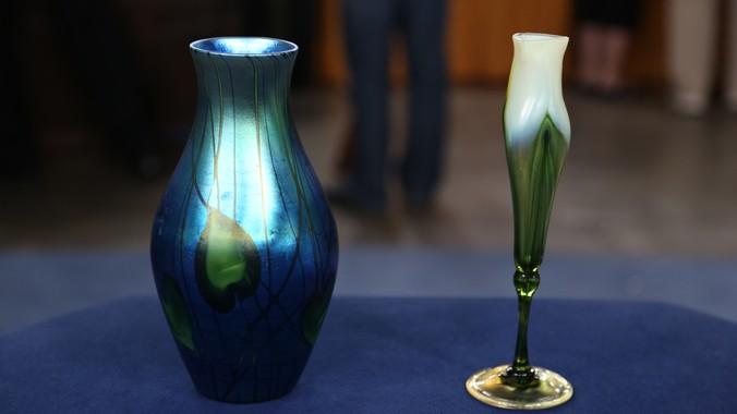Iridescent Tiffany Vases Ca 1910 Antiques Roadshow Pbs