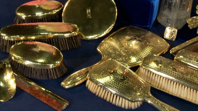 14k Gold Vanity Sets Ca 1905 Antiques Roadshow Pbs