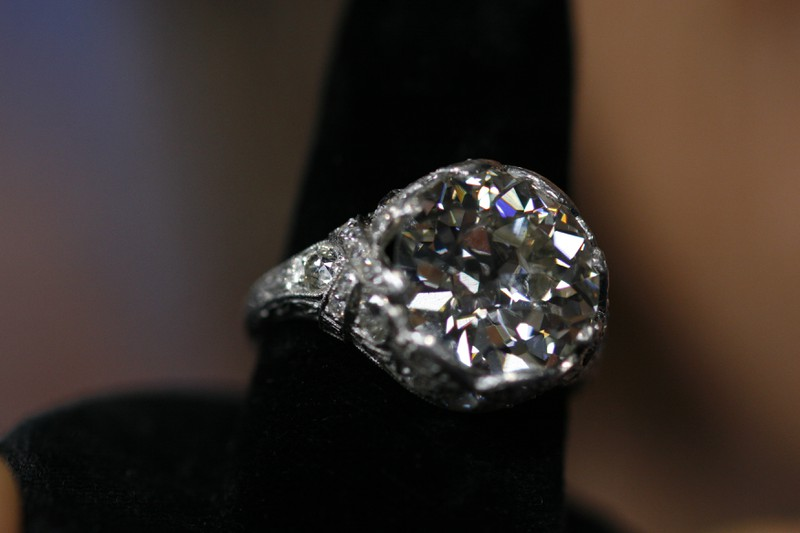 how to sell antique diamond jewelry