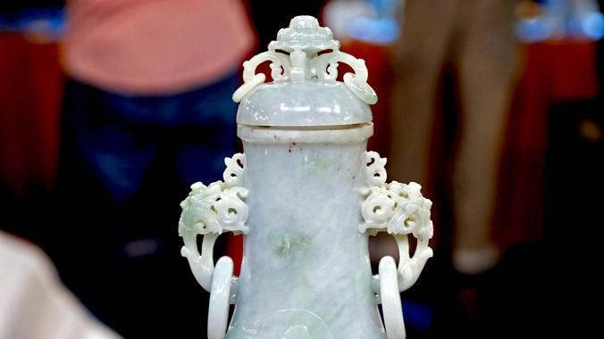 Mid 20th Century Chinese Jadeite Vase Antiques Roadshow
