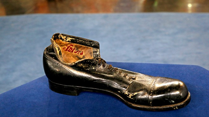 Robert Wadlow's Custom Shoe, ca. 1934 | Antiques Roadshow | PBS