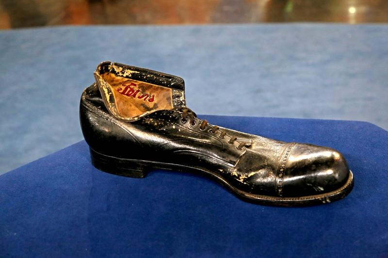 Robert Wadlow's Custom Shoe, ca  1934 | Antiques Roadshow | PBS