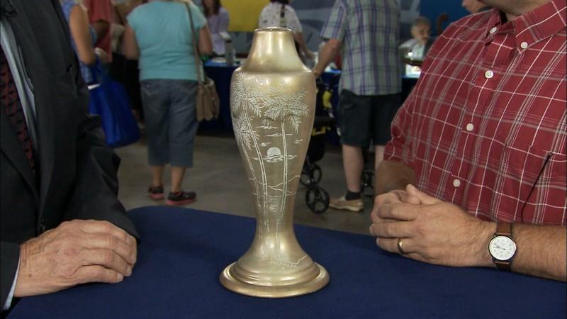 Le Camark Lamp Vase Ca 1930 Antiques Roadshow Pbs