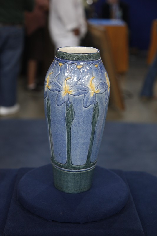 1908 newcomb college pottery vase