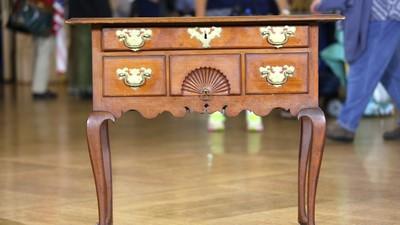 Massachusetts Dressing Table, Ca. 1760