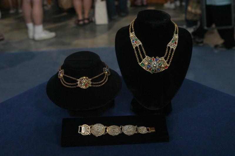 Thief of bagdad jewlery ca 1940 antiques roadshow pbs for Jewelry appraisal omaha ne