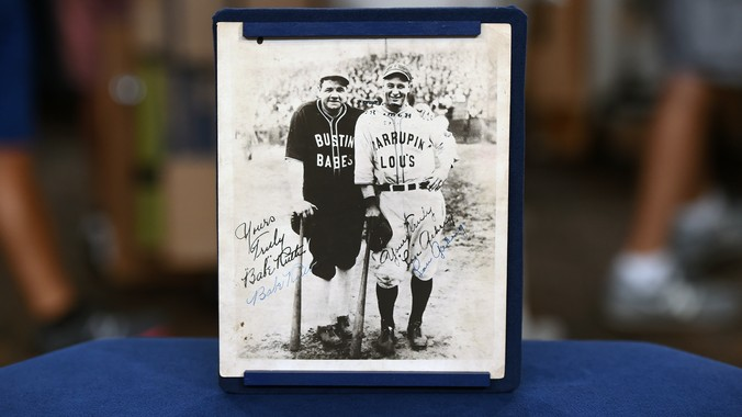 hot sale online 14e07 f58d2 1927 Babe Ruth & Lou Gehrig-signed Tour Photo | Antiques ...
