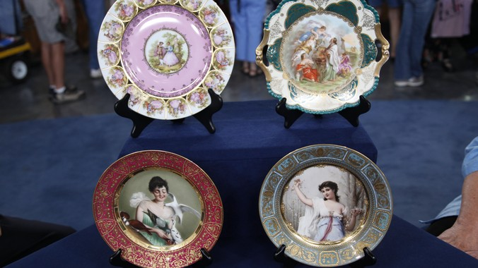 Four Royal Vienna-Style Plates & Four Royal Vienna-Style Plates | Antiques Roadshow | PBS