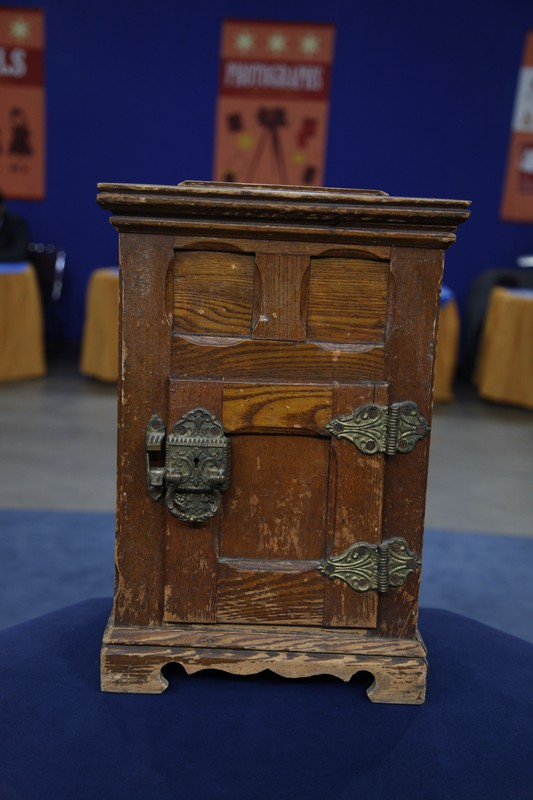 Salesman S Sample Ice Box Ca 1900 Antiques Roadshow Pbs