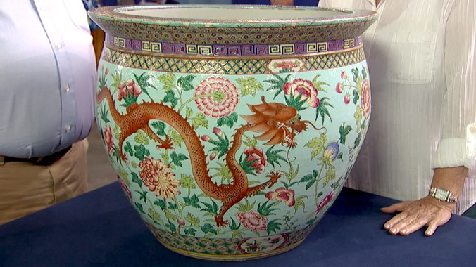 19th Century Chinese Porcelain Fish Bowl Antiques