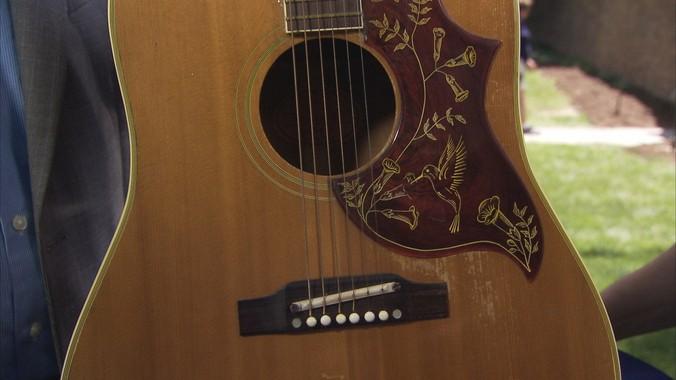 1963 gibson hummingbird guitar antiques roadshow pbs. Black Bedroom Furniture Sets. Home Design Ideas