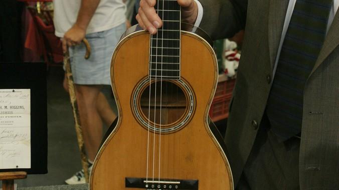 C F  Martin Parlor Guitar, ca  1860 | Antiques Roadshow | PBS