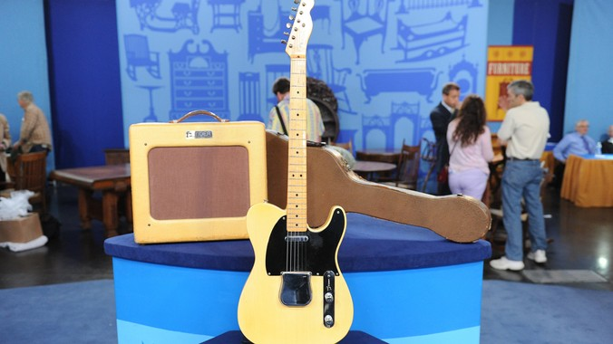 1953 Fender Telecaster with Amp & Case | Antiques Roadshow | PBS