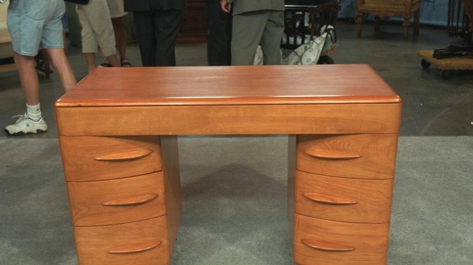 Heywood Wakefield Desk, ca. 1940 | Antiques Roadshow | PBS