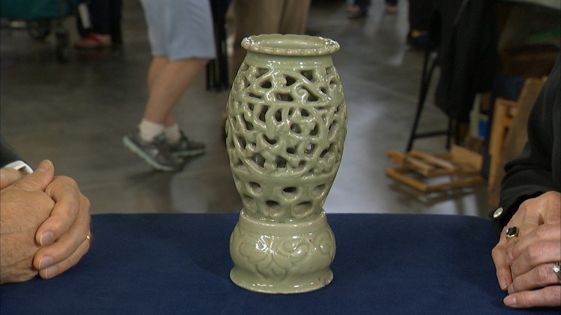 Ming Dynasty Chinese Celadon Lantern Antiques Roadshow Pbs