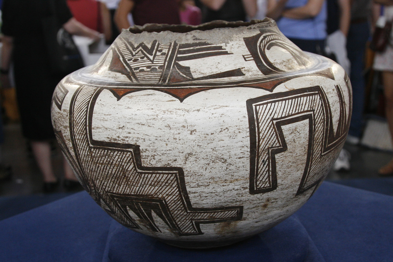Indian Artifacts: Understanding the Law | Antiques Roadshow