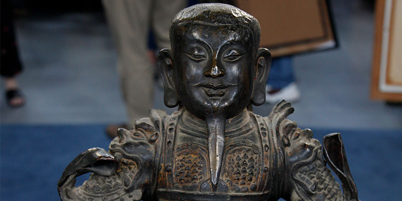 http://www-tc.pbs.org/prod-media/antiques-roadshow/article/images/spoils-of-war.jpg