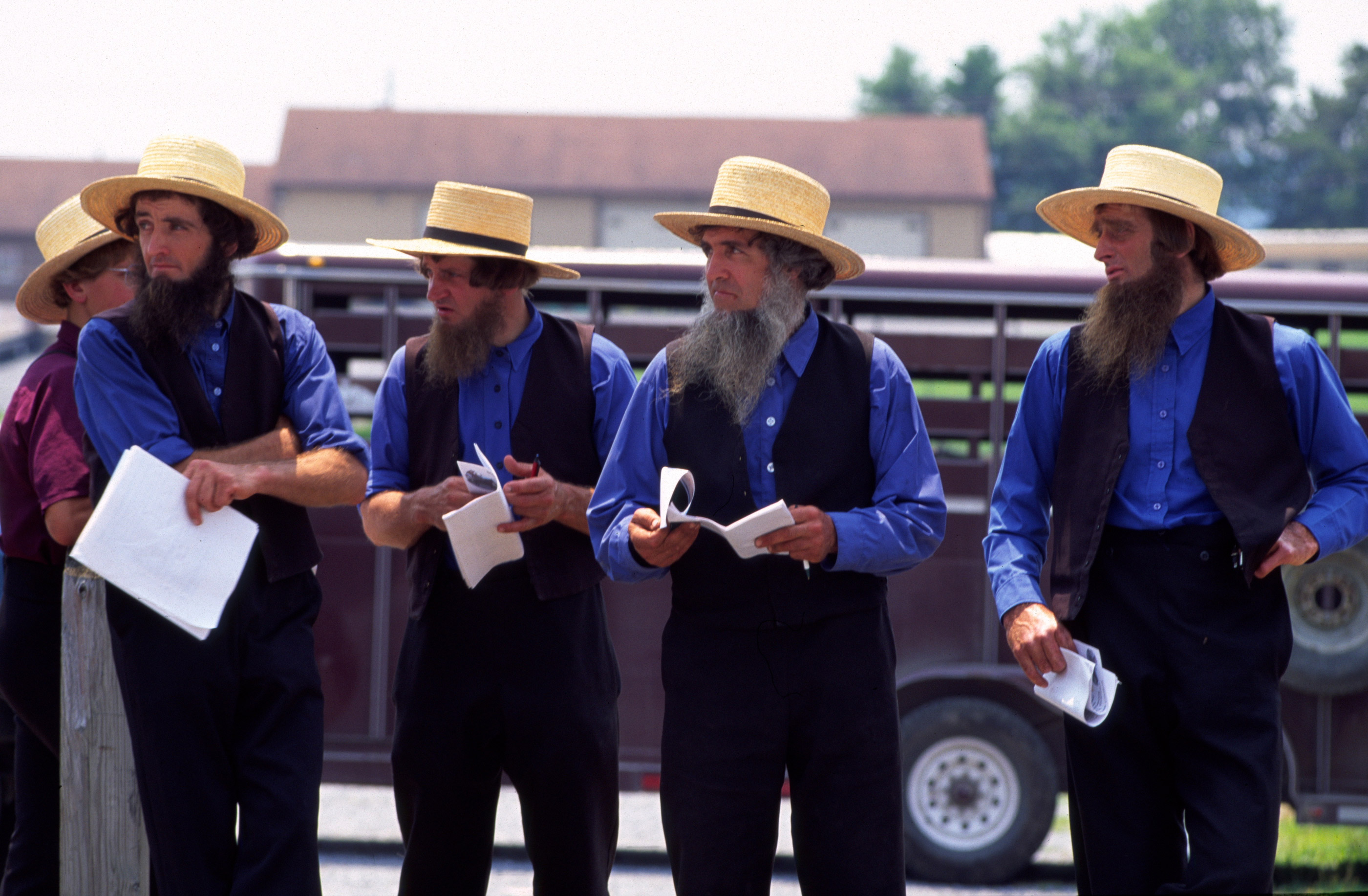 This Is What The Amish Wear And Why The Way Of The Amish Guff
