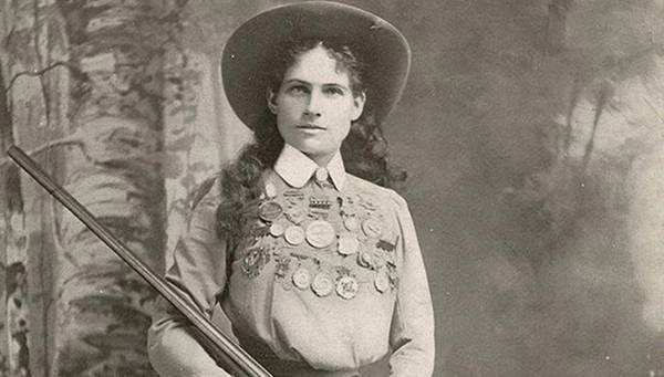 Biography: Annie Oakley