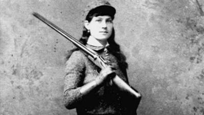 Annie Oakley: Chapter 1 poster image