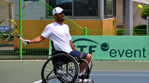 David Wagner plays wheelchair tennis