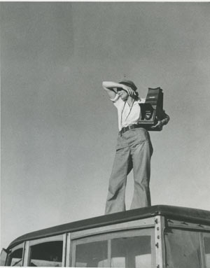 Dorothea Lange in Texas on the Plains, 1937. Photo: Paul S. Taylor.