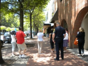 Portsmouth community leaders tour to asses the city's walkability 