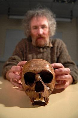 http://www-tc.pbs.org/wnet/humanspark/files/2008/07/neanderthal-skull.jpg