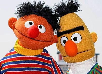 Bert_Ernie_cute.jpg