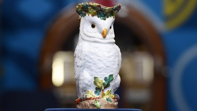 #2106 Owl on Wood Carving