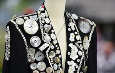 Close-Up | See the Pearly Kings and Queens