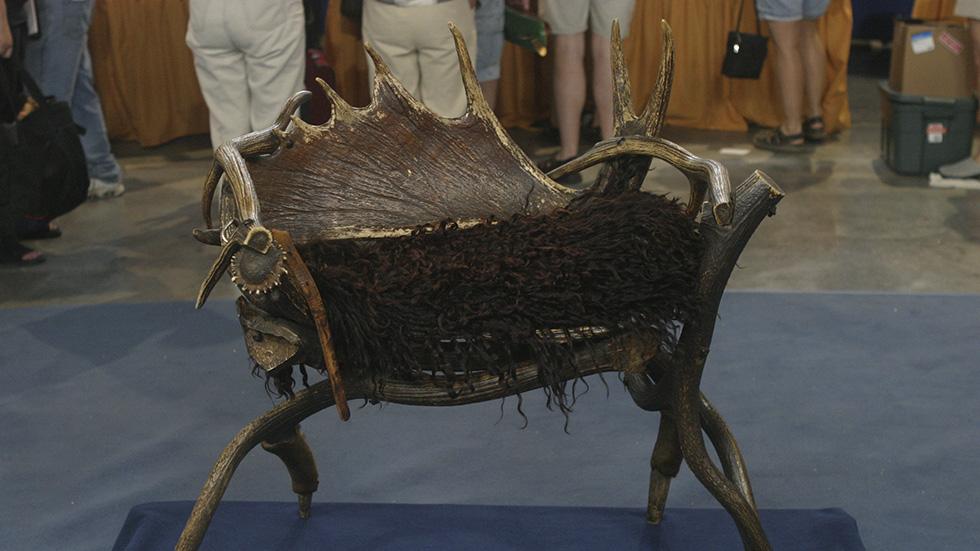 https://www-tc.pbs.org/prod-media/antiques-roadshow/article/images/904-lede-elk-1.jpg