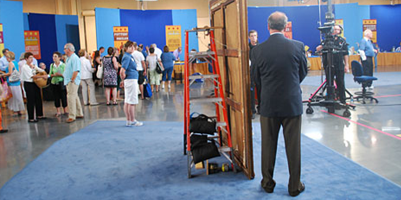https://www-tc.pbs.org/prod-media/antiques-roadshow/article/images/BiloxiHomepageLede.png
