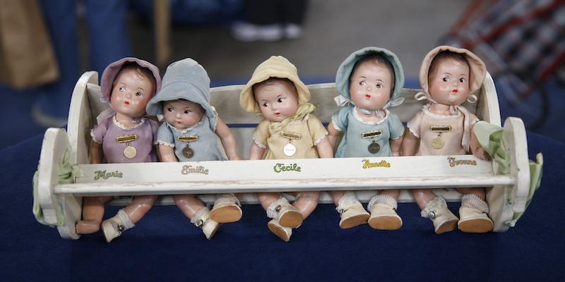 https://www-tc.pbs.org/prod-media/antiques-roadshow/article/images/Dionne-dolls-lede.JPG
