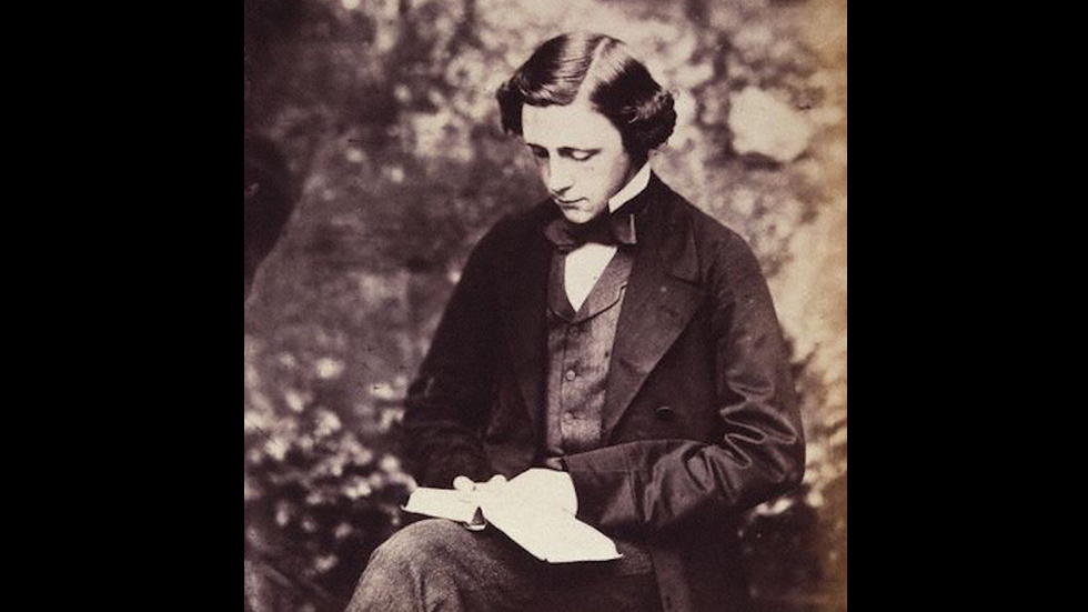 https://www-tc.pbs.org/prod-media/antiques-roadshow/article/images/Lewis_Carroll_Self_Portrait_Pillar_Lede.jpg