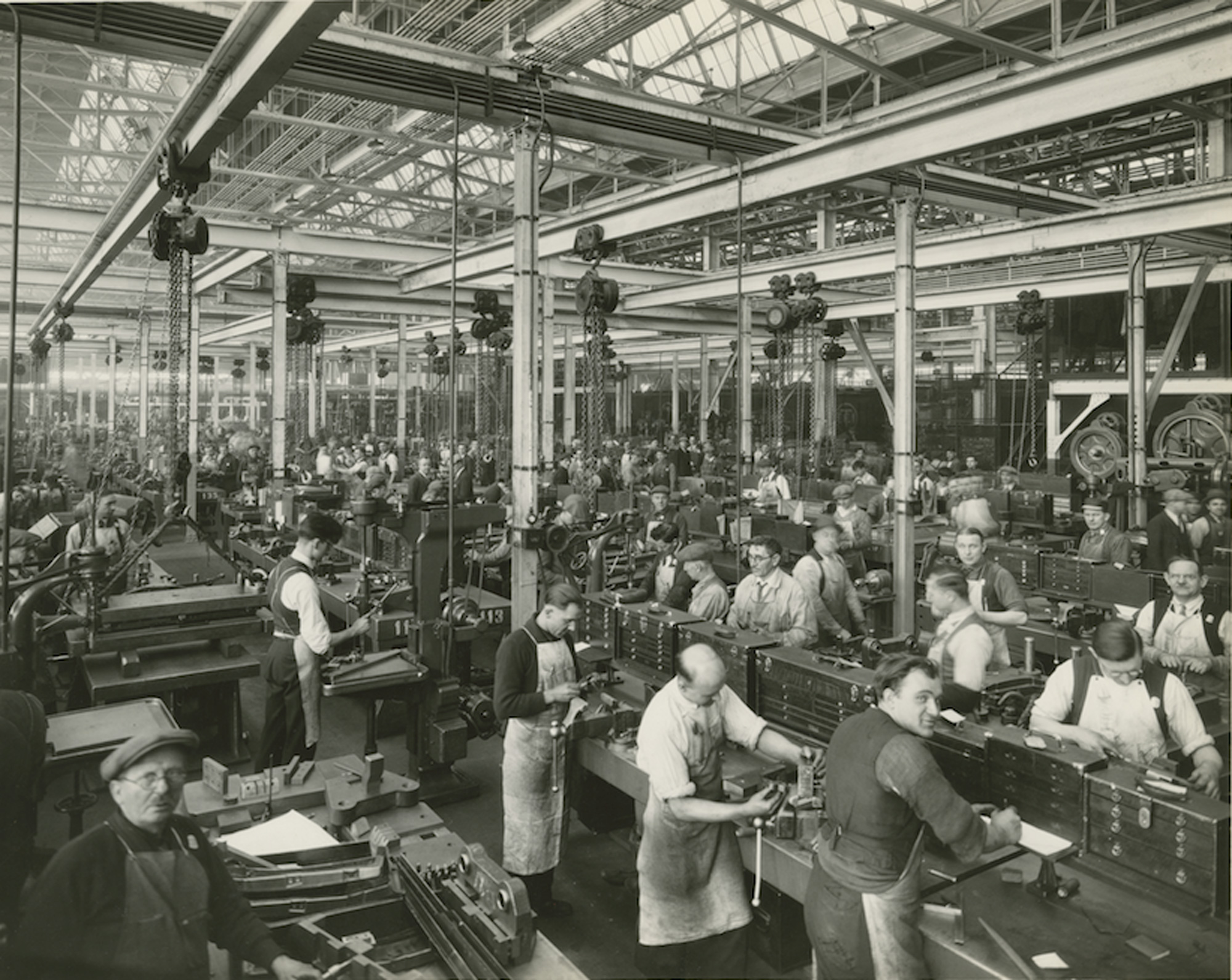 Despite The Success That The Assembly Line Brought To The Company, Many  Skilled Workers Found The Work Monotonous And Exhausting. Pictured Here Are  Workers ...