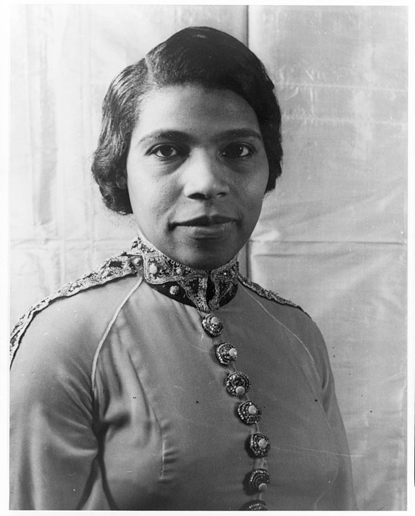 Voice-Freedom-Marian-Anderson-LOC-1945.jpg