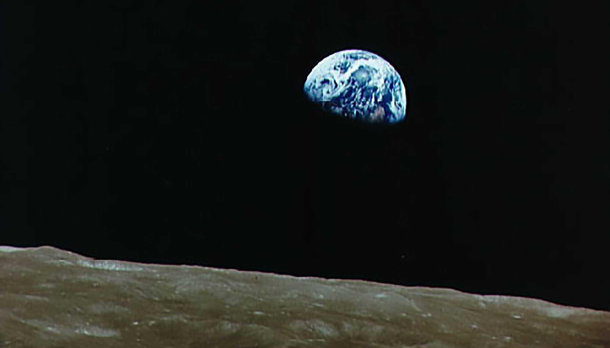 Moon-Apollo_earthrise_01.jpg