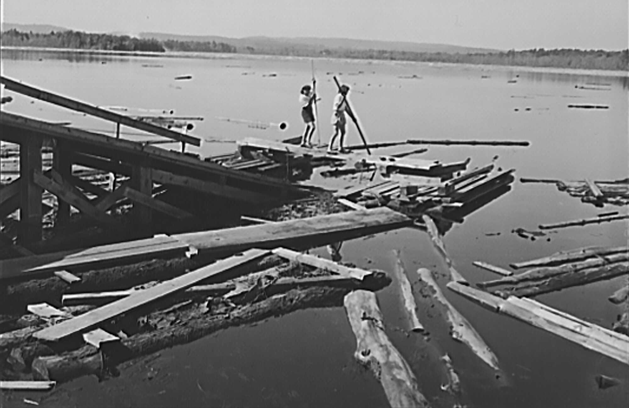 Hurricane-Aftermath-Turkey-Pond-near-Concord,-New-Hampshire-1938-LOC.jpg