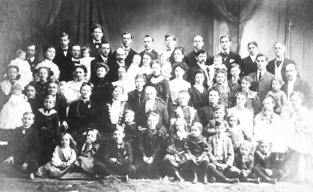 mormons_e_polygamy_01.jpg