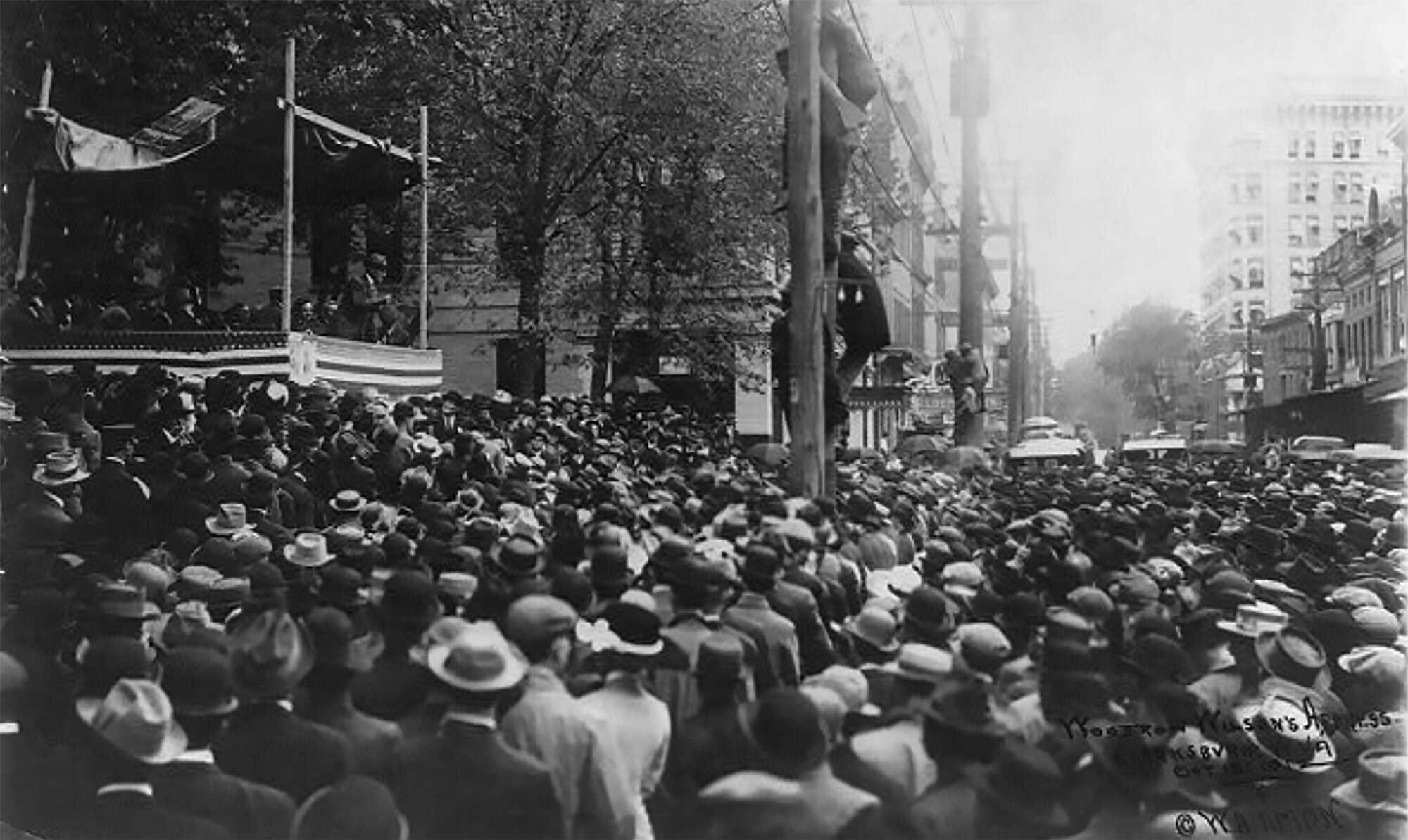 Wilson-election-Speaking-to-crowd,-W.-VA.1912.jpg