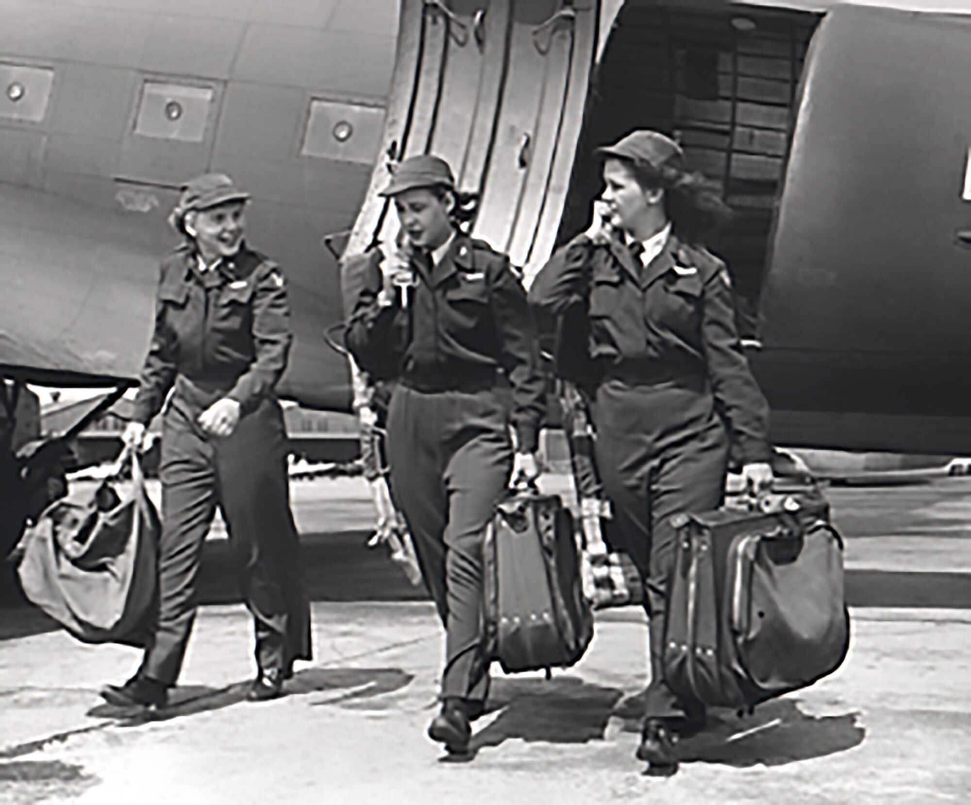flygirls_establishment-wasps-dec-20-1944.jpg