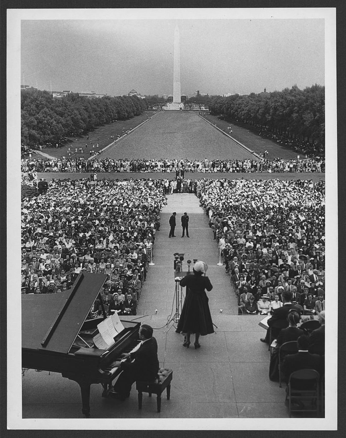 Voice-Freedom-Marian-Anderson-Lincoln-Memorial-LOC.jpg